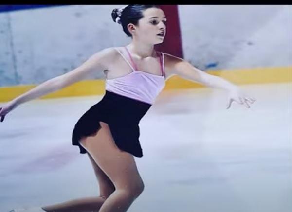 Elisabeta Gjoka, 13 anni, stella nascente sulla pista di pattinaggio