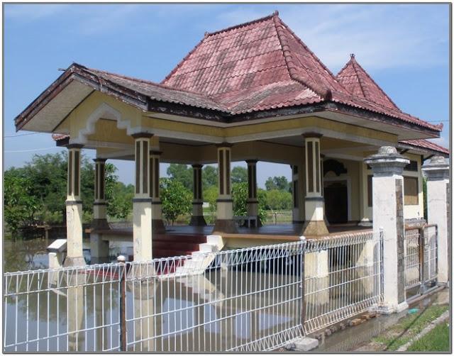 Makam Dewi Sekardadu;10 Top Destinasi Wisata Sidoarjo;