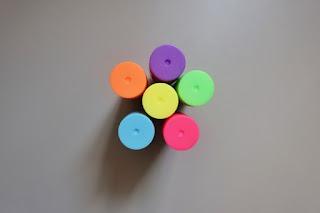 farby w sztyfcie biedronka neonowe