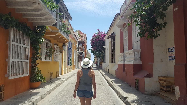 Ruas floridas e coloridas de Cartagena