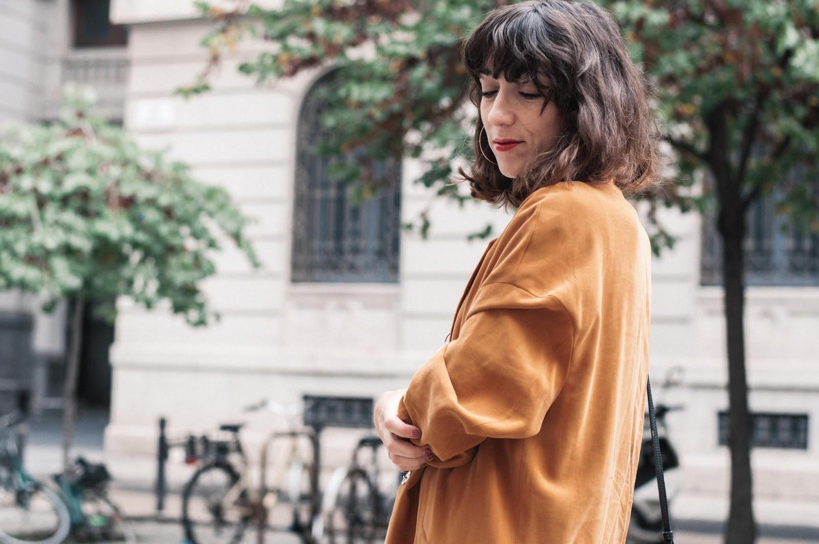 Jeans Maje, blusa H&M, blazer Mango, zapatos Menbur, bolso & Other Stories