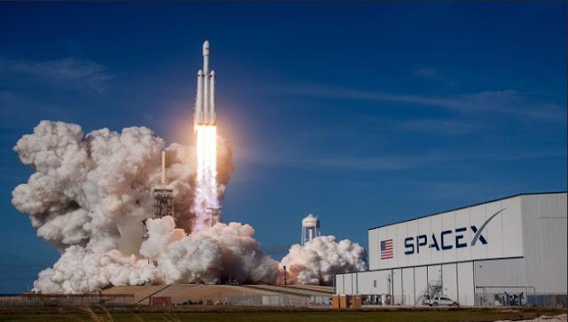 سبيس إكس تعمل على توفير الأنترنت الفضائي في الولايات المتحدة قبل منتصف العام المقبل.