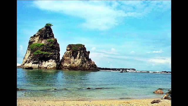 Pesona Wisata Pantai Sawarna di Banten yang Menarik