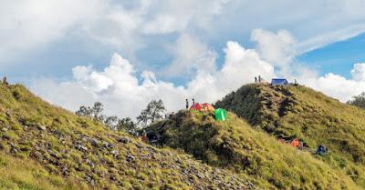 Plawangan Senaru Crater Rim 2641 meters Mt Rinjani