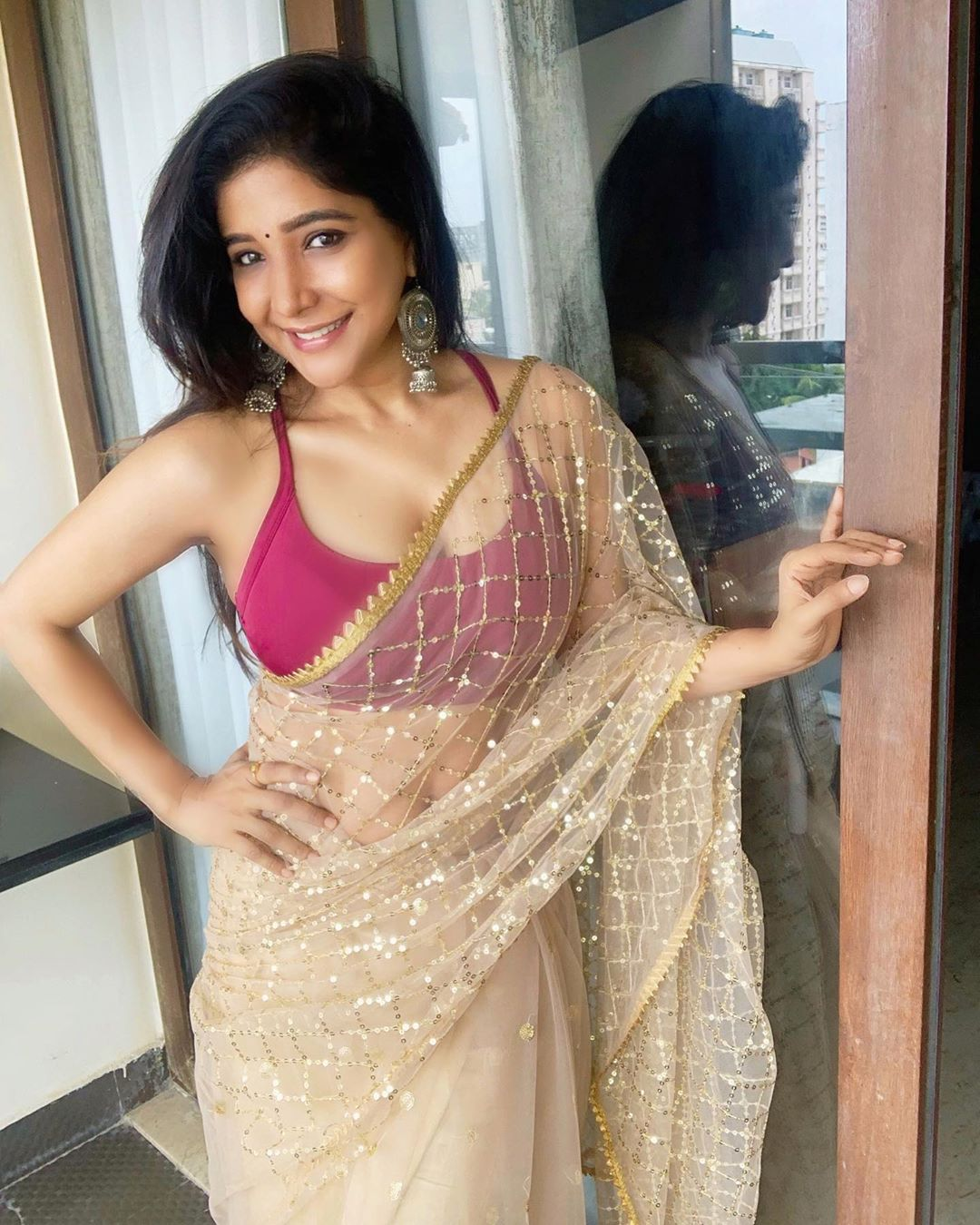 Actress Sakshi Agarwal New images