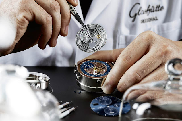 Glashütte Original Senator Cosmopolite in midnight blue