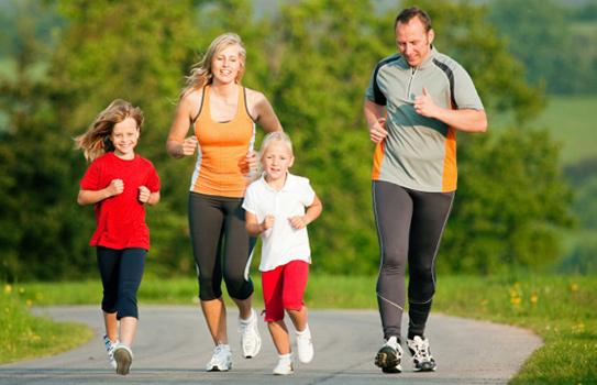 Tập thể dục hàng ngày, thường xuyên đều đặn giúp giảm nguy cơ mắc bệnh.
