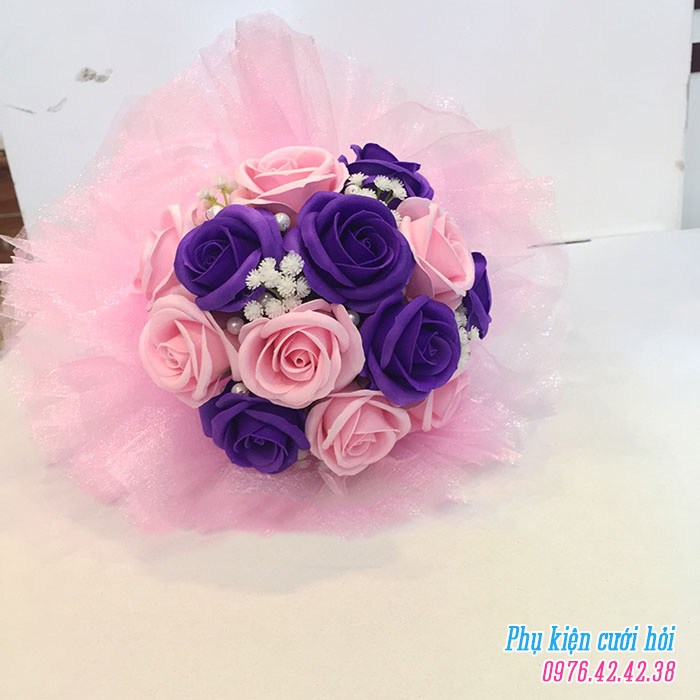 Hoa cam tay co dau HC010