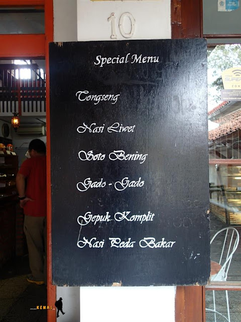 menu spesial di pia apple pie