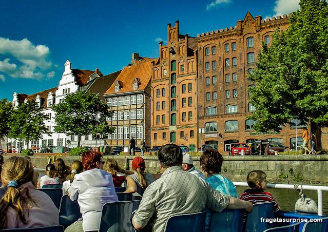 Passeio de barco em Lübeck, Alemanha