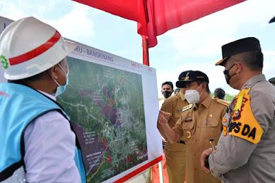 Gubri Tinjau Pembangunan Ruas Jalan Tol Pekanbaru-Bangkinang