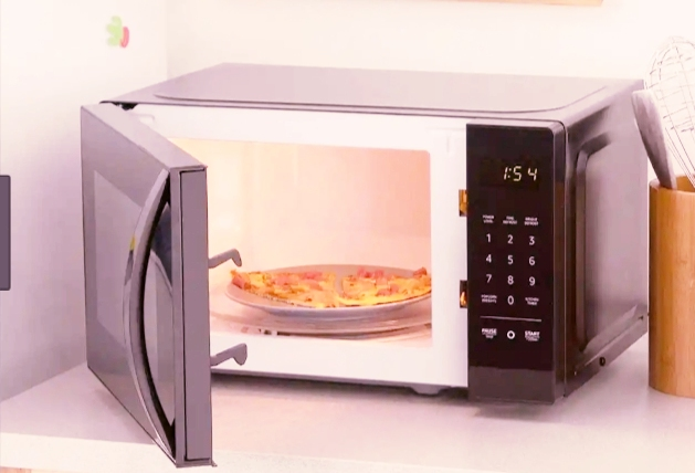 AmazonBasics Microwave, Small, 0.7 Cu. Ft, 700W,Works online buy at amazon