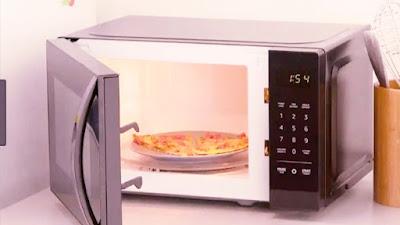 AmazonBasics Microwave, Small, 0.7 Cu. Ft, 700W,Works online