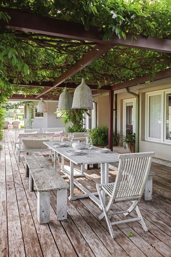 Pergolas for terraces or fixed enclosures? 8