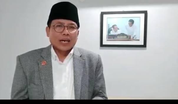 Fadjroel Pamer Buku Demokrasi, Netizen Malah Kirimkan Cuitan Lawas Menohok