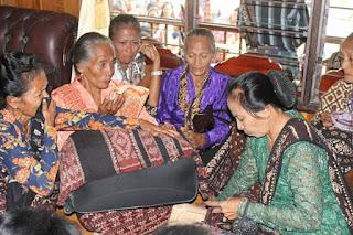 Budaya Rokettu sebagai upaya untuk mengembalikan arwah orang mati ke tanah kelahirannya di sabu raijua