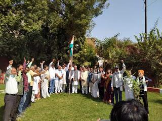 बुरहानपुर में कांग्रेस का स्थापना दिवस मनाया गया