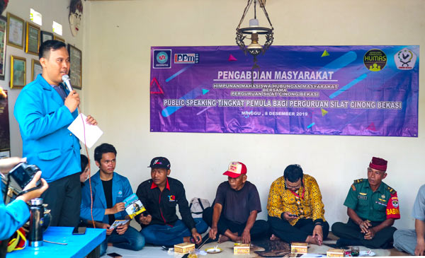Mahasiswa BSI Laksanakan Pelatihan Public Speaking di Cinong Bekasi