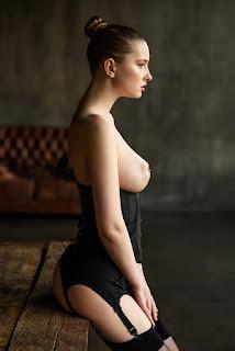 Nude Selfie - Ivan%2BWarhammer-751436_j9a6o0p8epalr7h7s6jeplge10_974751.jpg