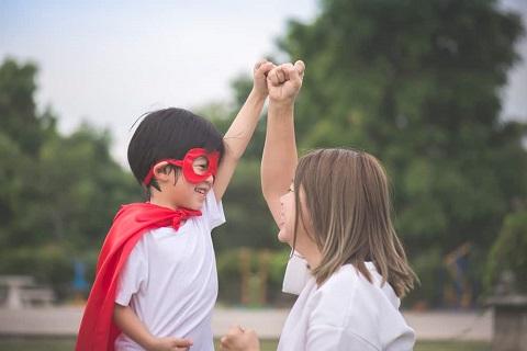 Cara Membesarkan Anak Perempuan Menjadi Pemimpin