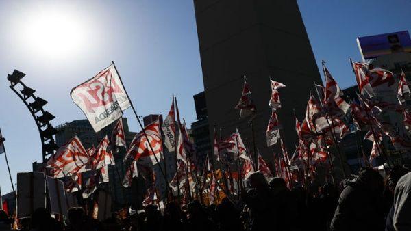 Convocan quinto paro nacional contra Macri para el 29 de mayo