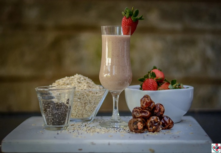 Strawberry Oat Smoothie