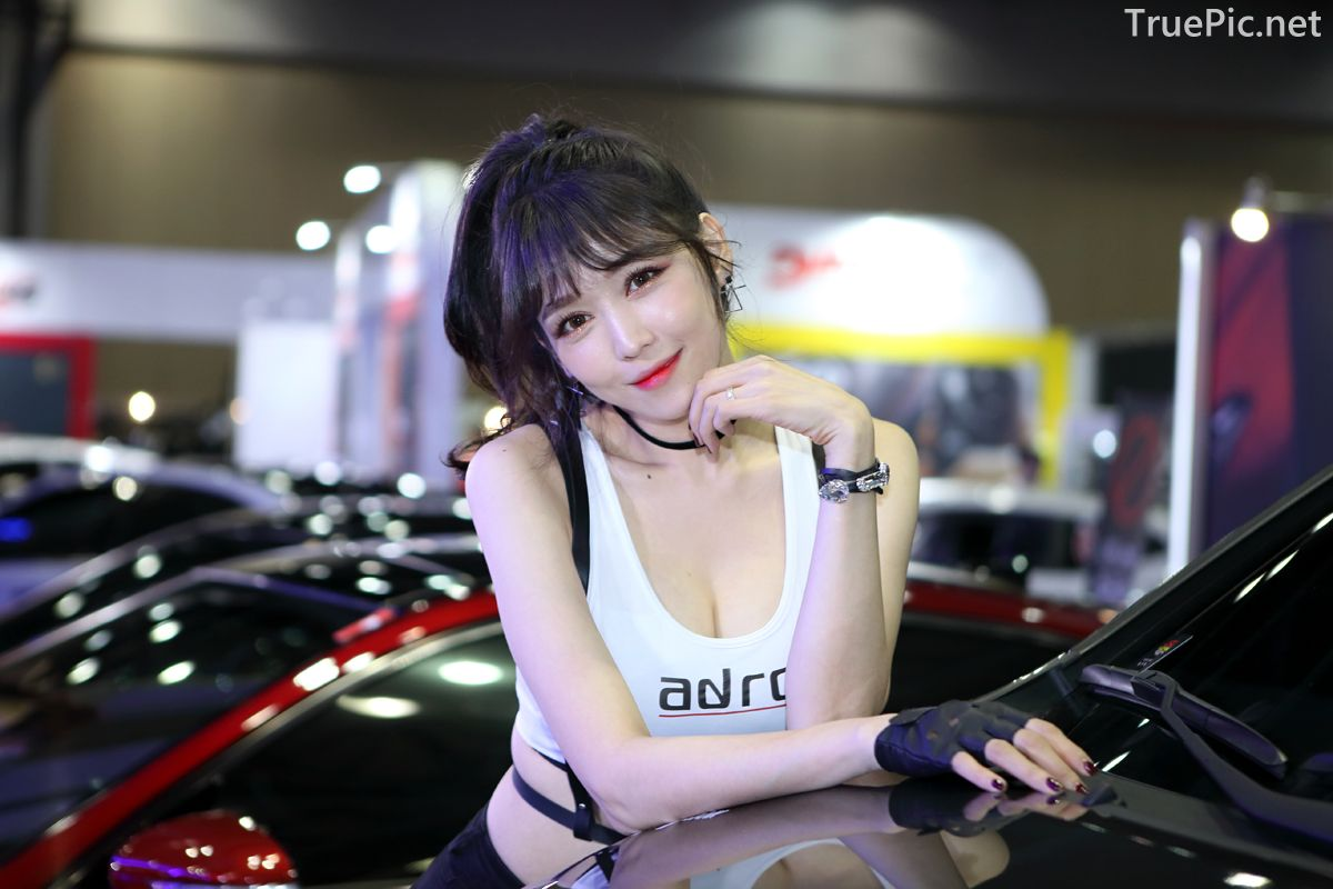Korean Racing Model - Lee Eunhye - Seoul Auto Salon 2019 - Picture 9