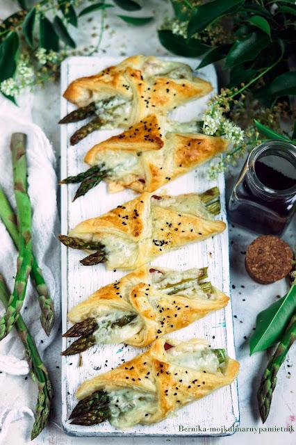 szparagi, ciasto francuskie, przekaska , impreza, bernika, kulinarny pamietnik