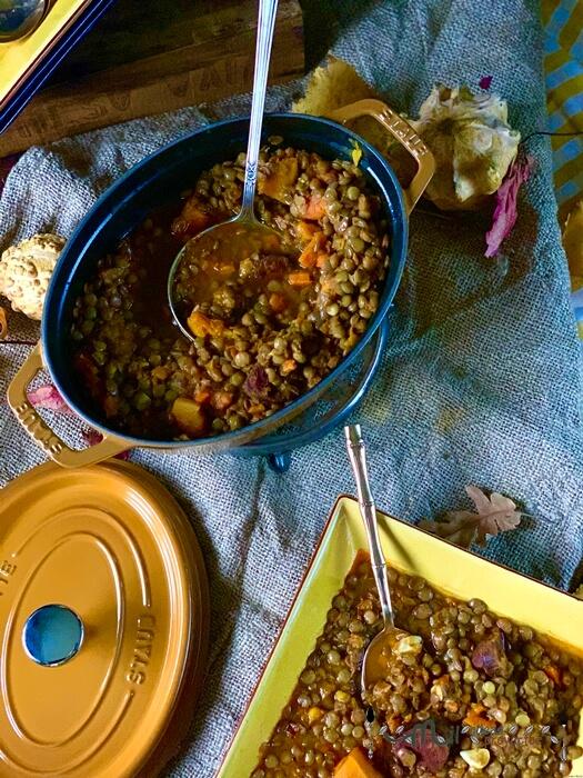 preparacion de receta de lentejas con calabaza y chorizo