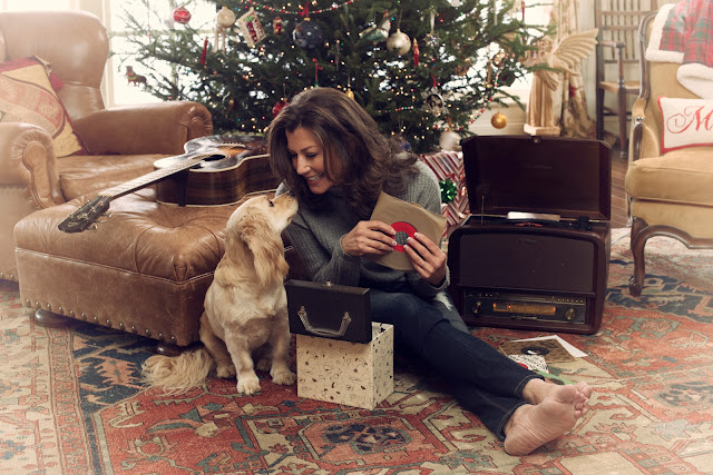 Amy Grant at home for a Tennessee Christmas (on her CD)