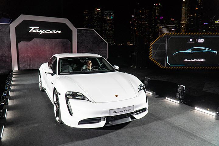 Hộp số của Porsche Taycan - 'kẻ cô đơn' trong làng xe điện