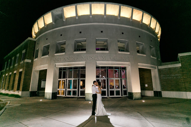 bride and groom night photos at orlando museum or art
