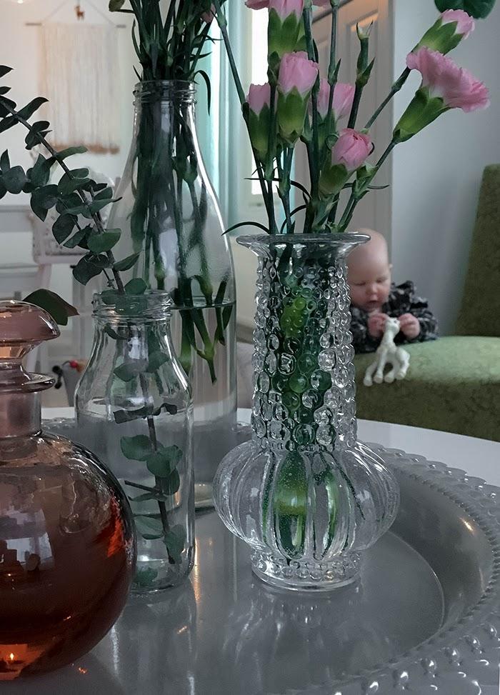 lasimaljakot, neilikat, kahdeksan kuukautta