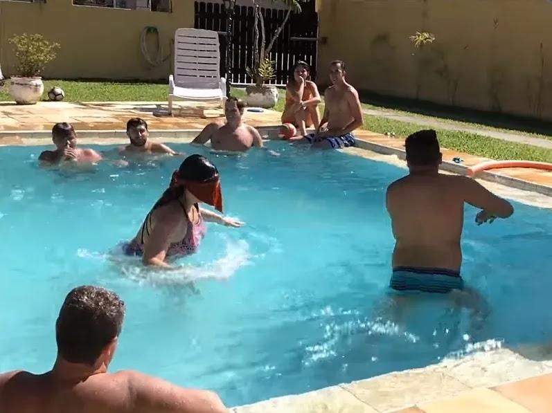 aprende ingles juego marco polo piscina amigos verano calor
