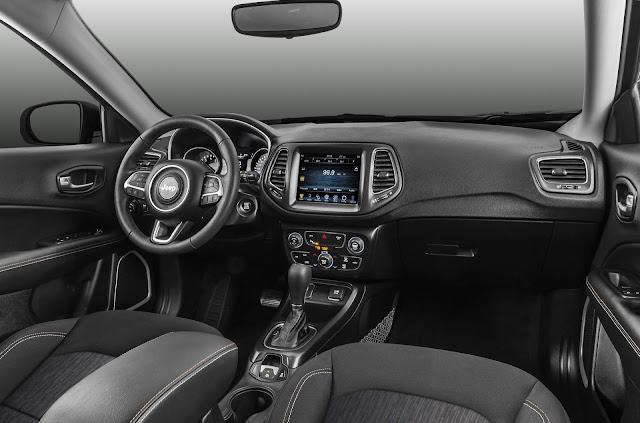 Jeep Compass Flex x Chery Tiggo 7 Automático x  - interior