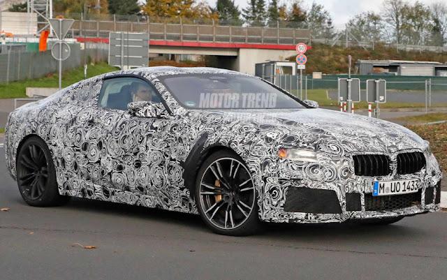 Шпионские фото интерьера BMW M8