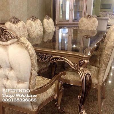 Jual Furniture Ukir Klasik-Meja makan set Ukir Klasik Italy-Toko Mebel jati klasik Toko jati Furniture klasik Mewah