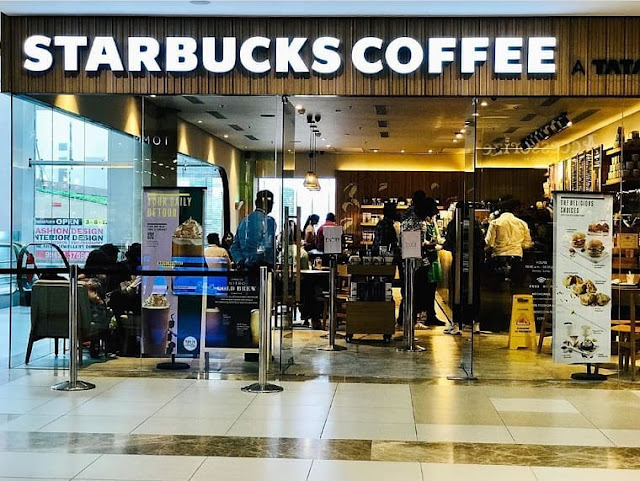 Starbucks, Ahmedabad One Mall (Alpha One).