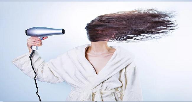Saç Dökülmesini Önleyen Bitkisel Kür