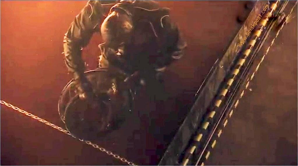 Fear Factor Khatron Ke Khiladi Darr Ka Blockbuster contestant searching coin during Climax Stunt