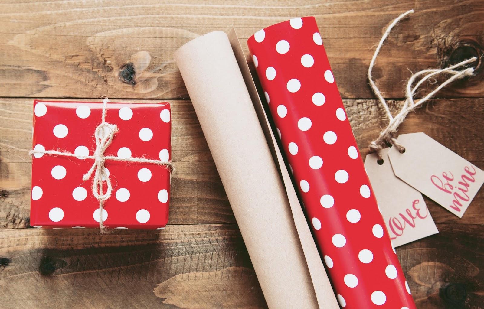 upominki, prezenty, walentynki, lista zakupowa, poradnik zakupowy, wylegarnia pomysłow