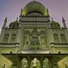 Sultan Mosque adalah masjid yang wajib anda datangi saat di Singapore.