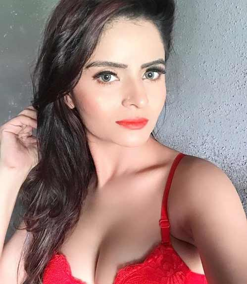 gehana-vasisth-who-was-arrested-for-shooting-porn-videos