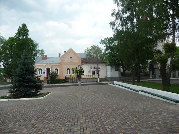 Старий Самбір. Площа Ринок