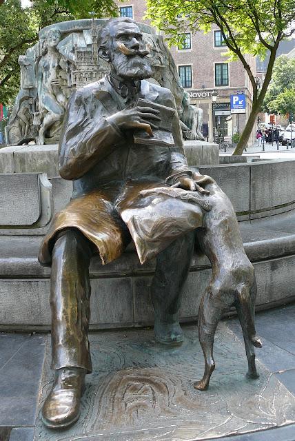 sculpture-qui-represente-le-voyage