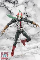 S.H. Figuarts Kamen Rider V3 (THE NEXT) 16