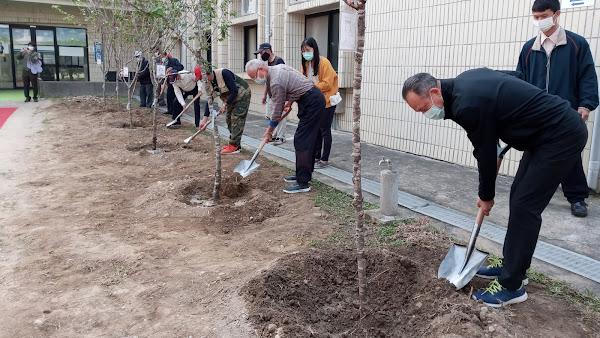 中彰榮家響應植樹節 住民齊種樹綠美化家園