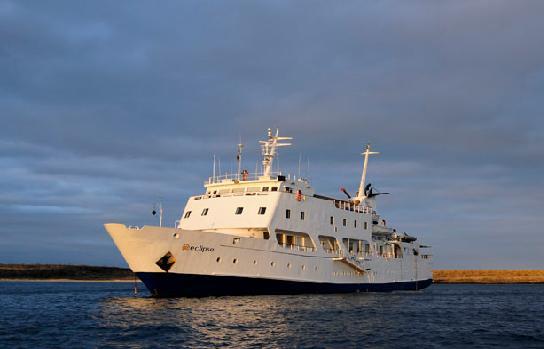 Tours a Galápagos – Yate Eclipse
