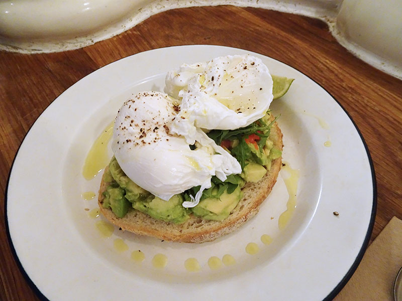 London_Attentdant_Toilet_Cafe Eggs and Avocado on Toast