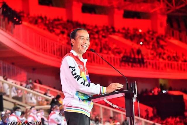 Ceremony PON XX Papua, Presiden Joko Widodo Senyum Sumringah.